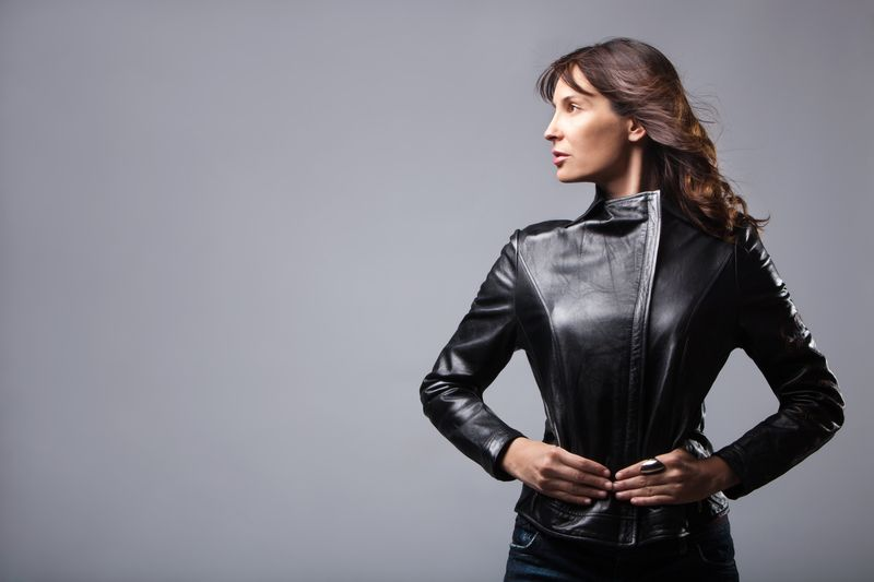 Wie kann man Lederjacken gut kombinieren?